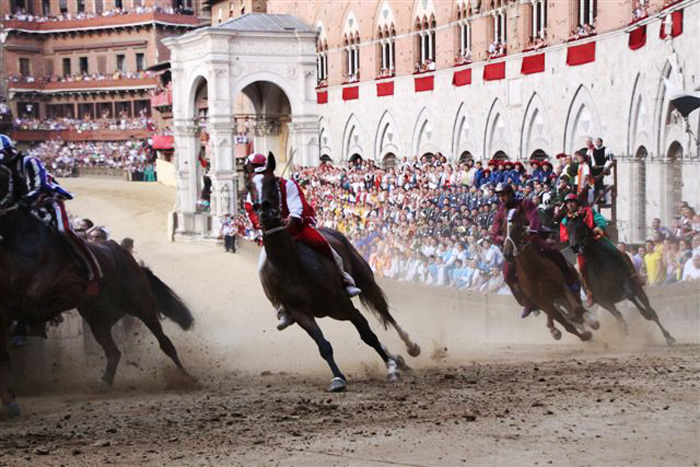 The Palio races of Siena: the Curva del Casato.