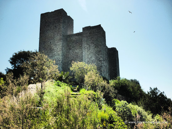 Pictures of medieval castles: Rocca Aldobrandesca di Talamone Tuscany