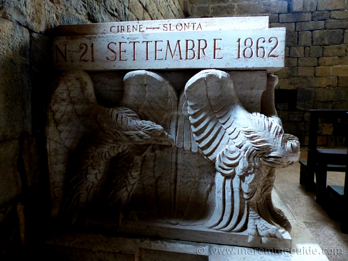 1882 tomb detail of Generale Amos del Mancino.