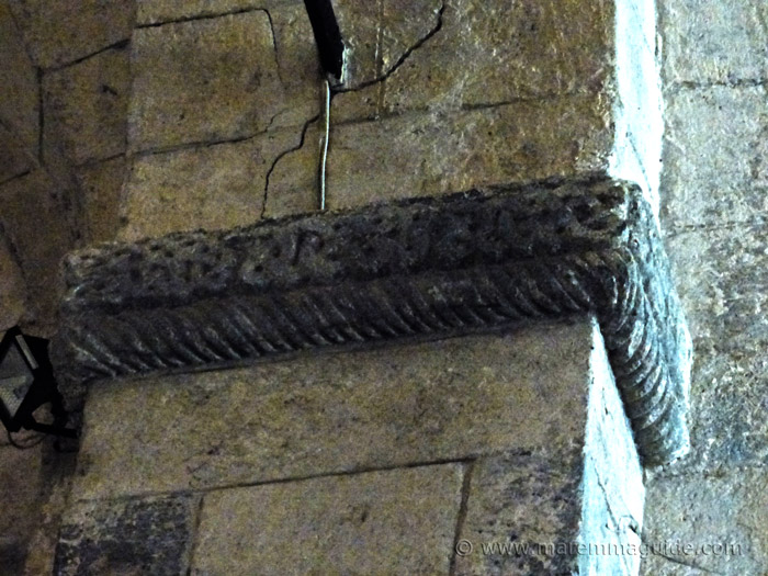 Celtic knot stone cravings in the Pieve della Lama Montelaterone