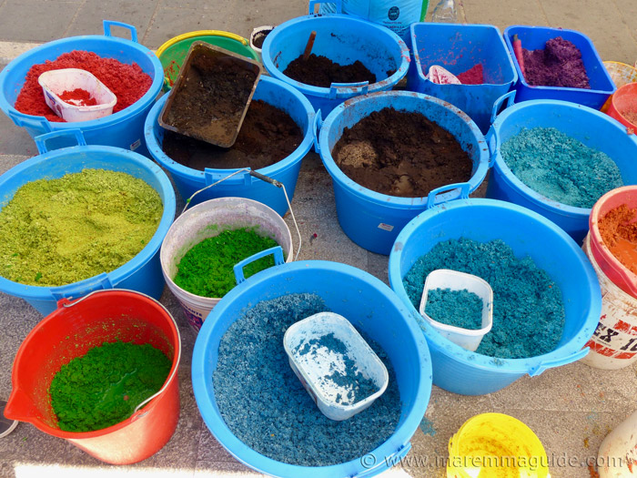 The buckets of coloured sawdust ready for the teams of helpers.
