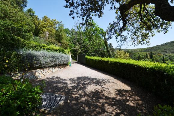 Porto Ercole villa driveway: Monte Argentario real estate.