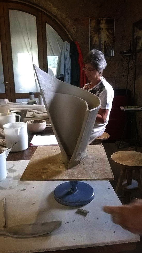 Ceramics sculpture course in Tuscany Italy.