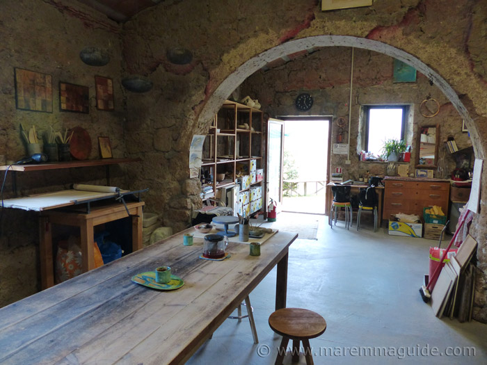Pottery holiday workshop in Tuscany.