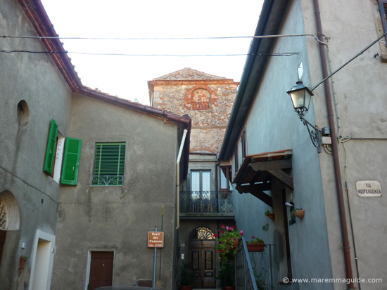 Prata castle: the remaining medieval tower of the central Cassero