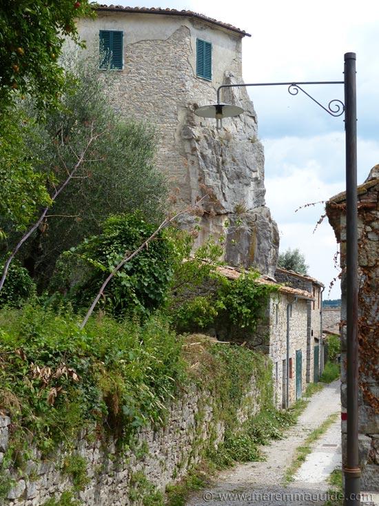 Roccalbegna via Stradale