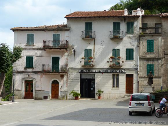 Piazza IV Novembre Roccalbegna