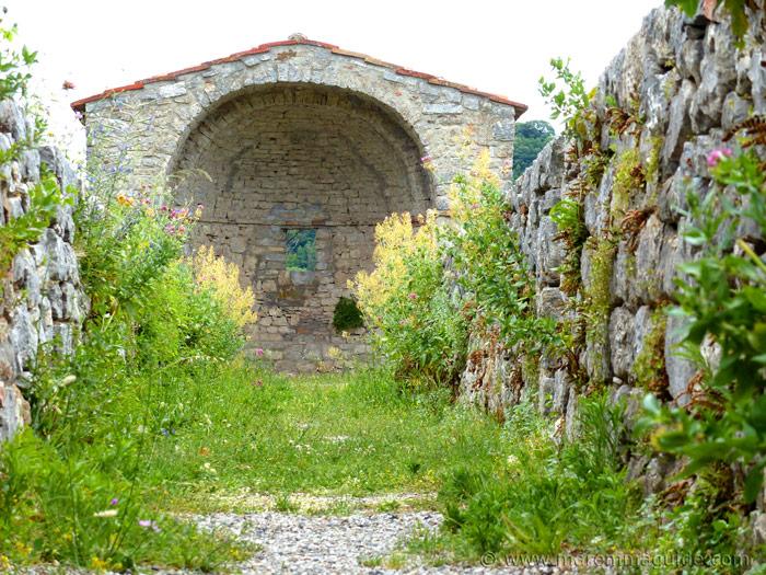 Roccalbegna Cassero Senese garden