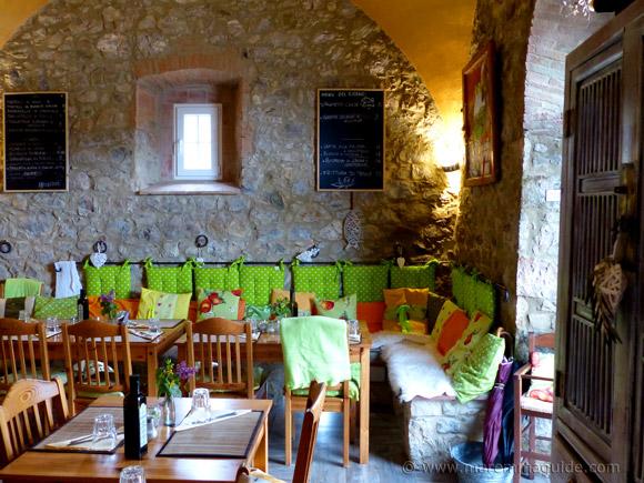 Cana Roccalbegna restaurant DA-NOI-A-CANA osteria and pizzeria