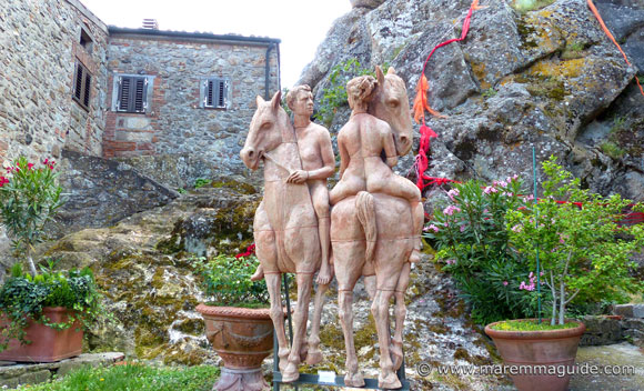 Roccatederighi Grosseto: handmade ceramic sculptures - nude riders on horseback