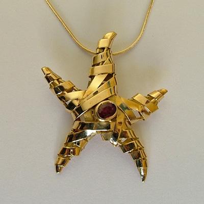 Italian Pendant: 18k gold starfish pendant