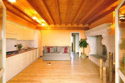 San Vincenzo accommodation: farm holidays by the beach
