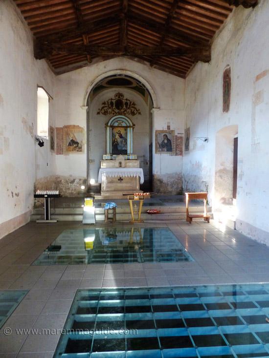 Chiesa della Madonna delle Nevi in santa Fiora: inside.