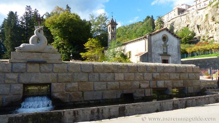 Santa Fiora church: Chiesa della Madonna delle Nevi.