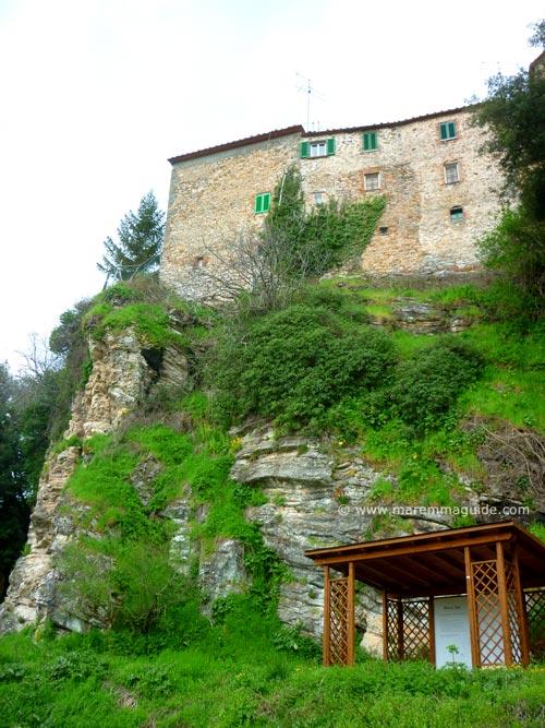Yoga location in Sasso Pisano Tuscany
