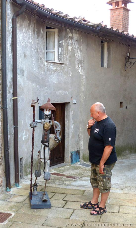 Recycled metal art sculpture: Mostra La Rocca 2014