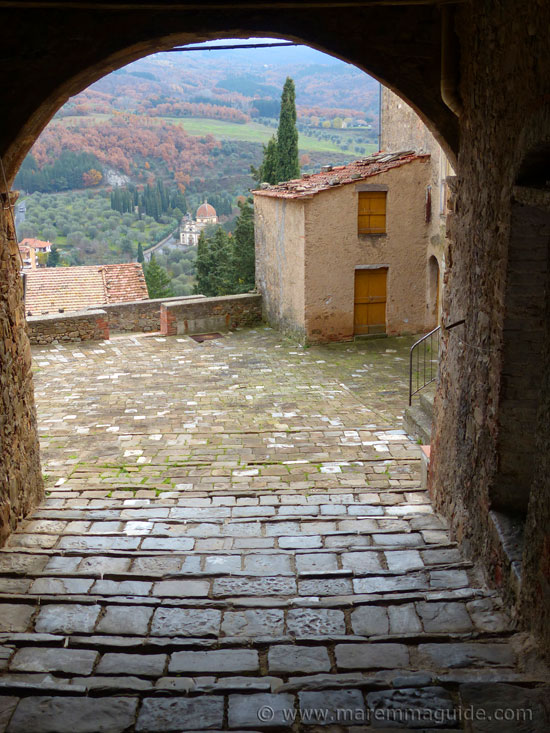 Piazzetta del Cisternone in Seggiano Tuscany.