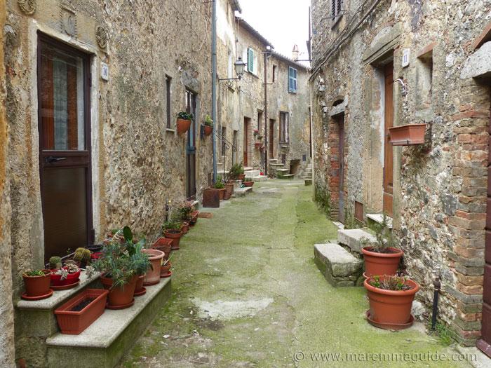Street scene in Semproniano