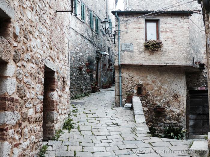 Semproniano Tuscany Italy: Vicolo delle Mura