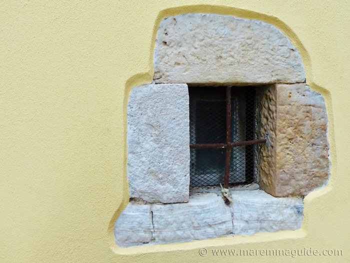 New window in Semproniano house
