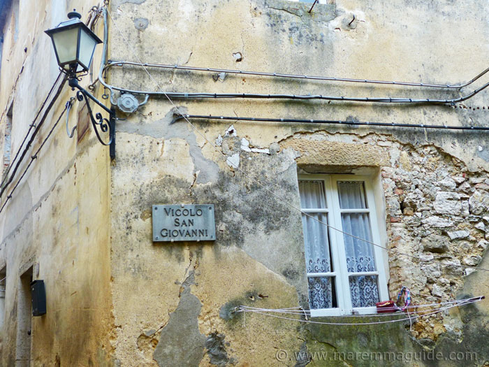 Vicolo San Giovanni wall detail in Semproniano Tuscany