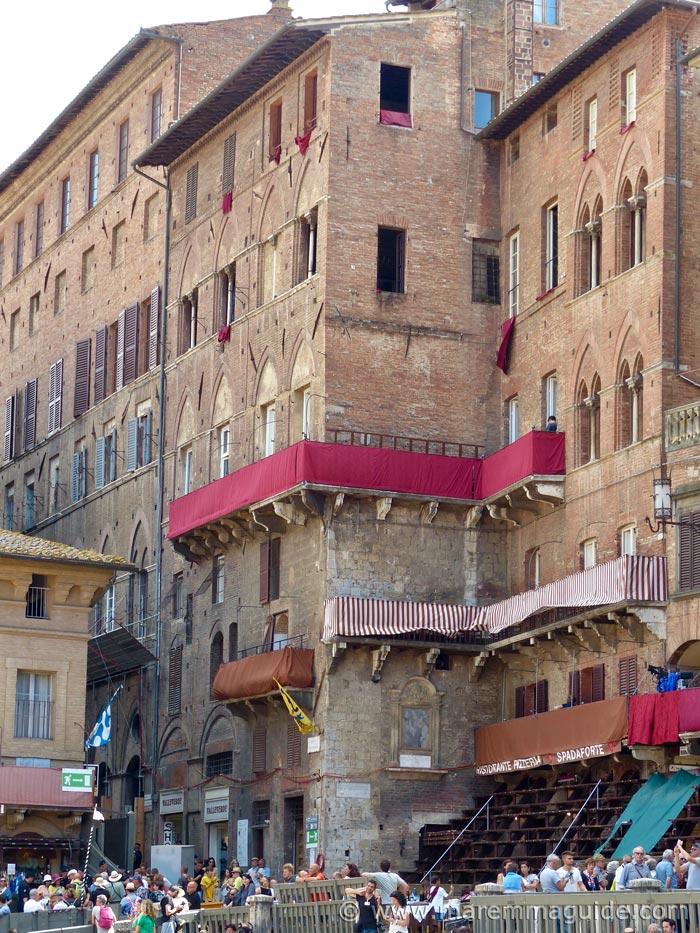 Siena Palio hotel in Piazza del Campo.