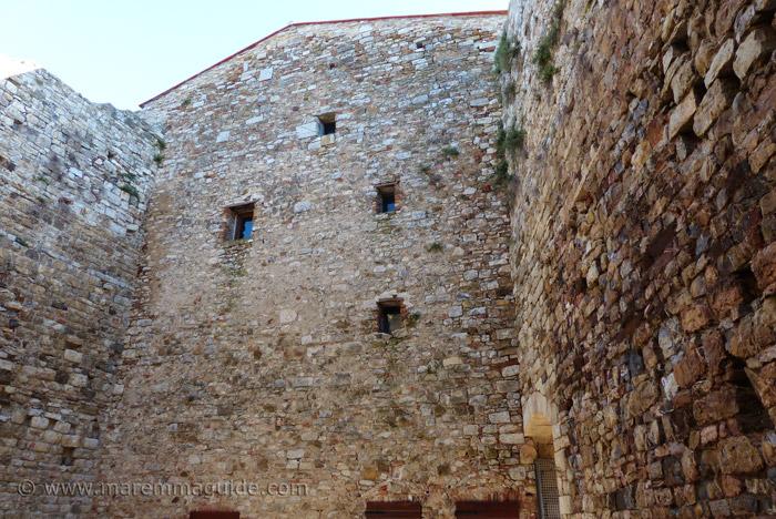 Suvereto castle: the Rocca Aldobrandesca.