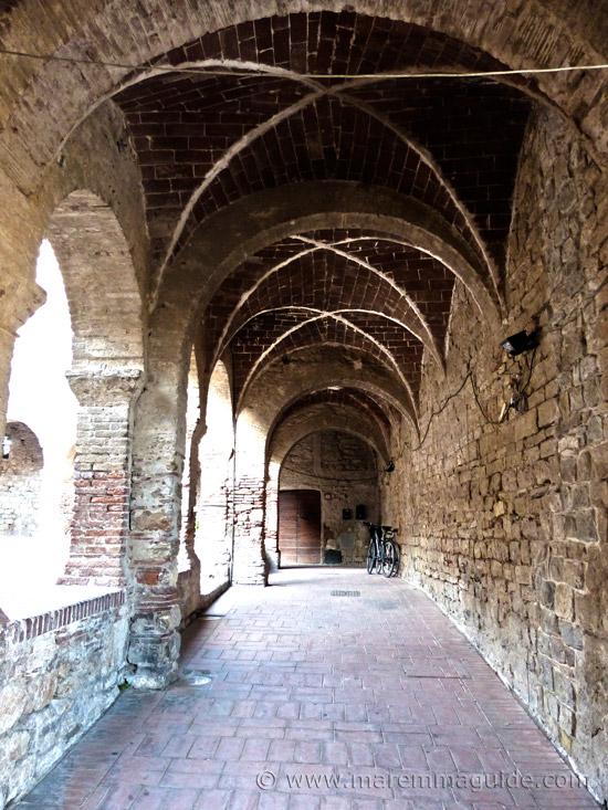 Suvereto: Cloister of the ex convent of San Francesco.