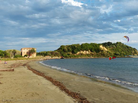 Talamone kitesurfing beach: Spiaggia della Fertilia