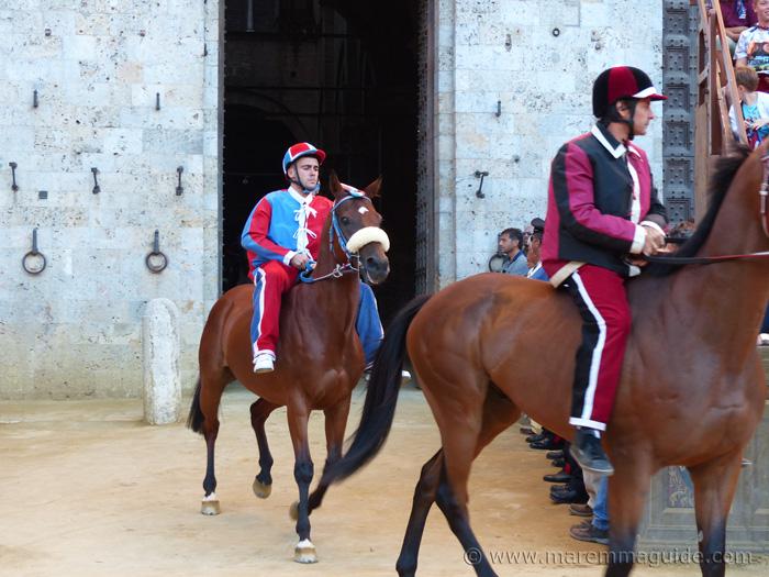 The Prova Generale Palio race.