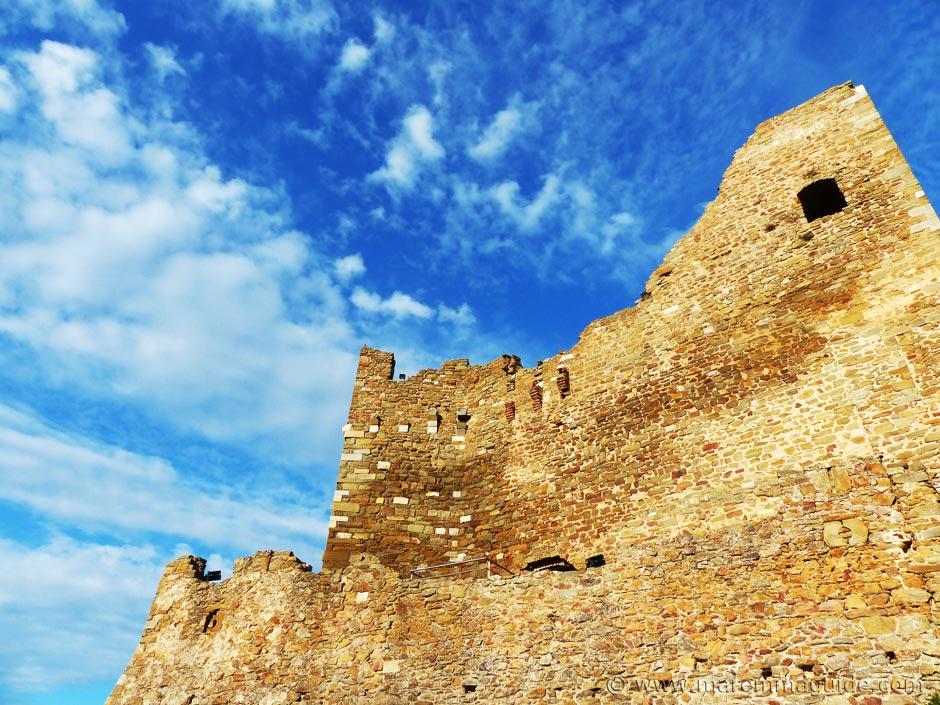 Tuscany castles.