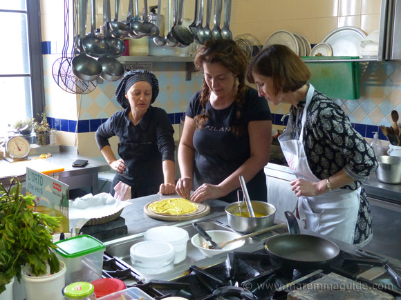 Tuscany cooling class with a professional chef