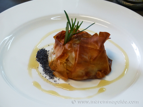 Cooking lessons Tuscany: pastry parcels made in heaven