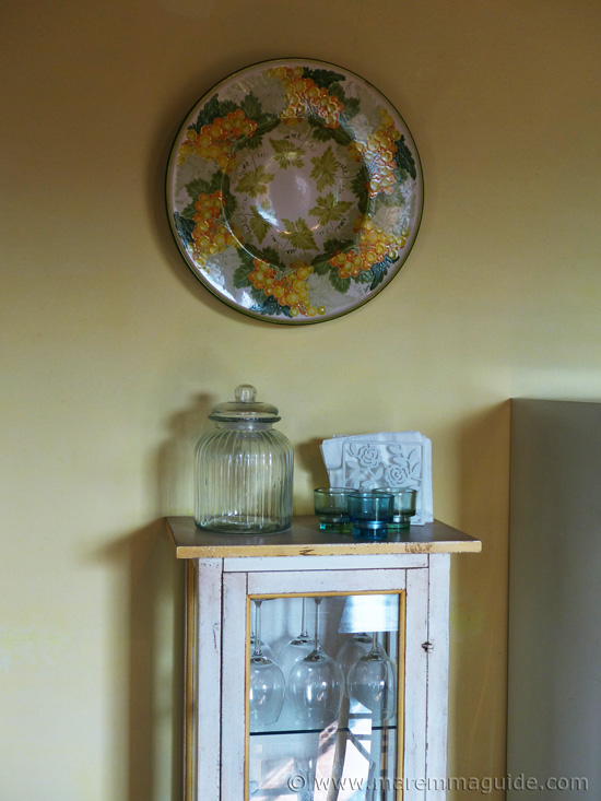 Tuscan kitchen decor.