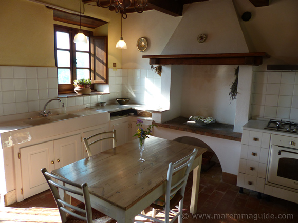 Tuscany cottage for sale in Maremma Italy