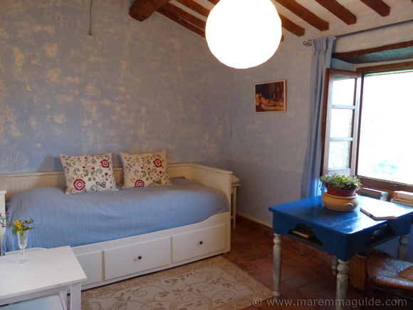 Tuscany cottage for sale: guest bedroom.