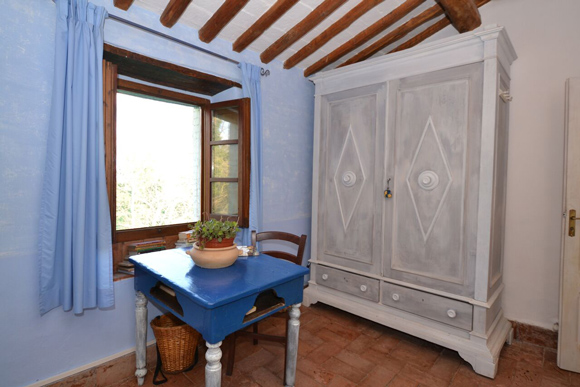 Maremma cottage for sale: guest bedroom.