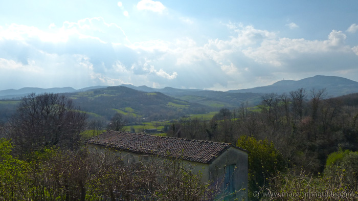 Tuscany cottage for sale with a panoramic view.