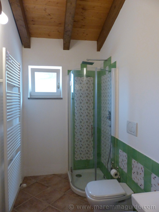 Poggio La Croce Scarlino: cottage bathroom.
