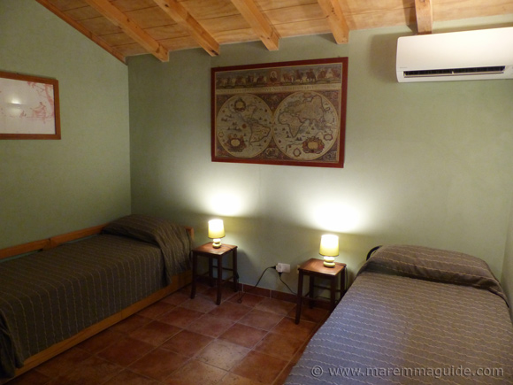 Old Tuscany cottage bedroom