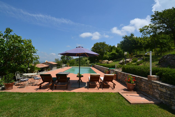 Maremma farmhouse for sale with swimming pool.