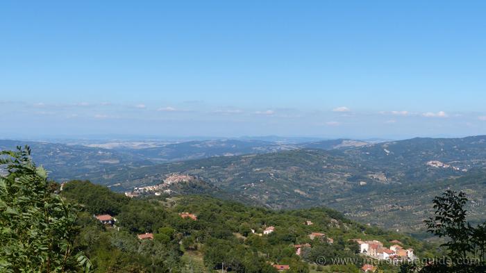 View from the Cassero di Montelaterone to Montegiovi.