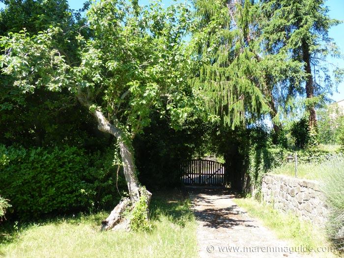 Tuscany property Italy. Wtaer mill gardens.