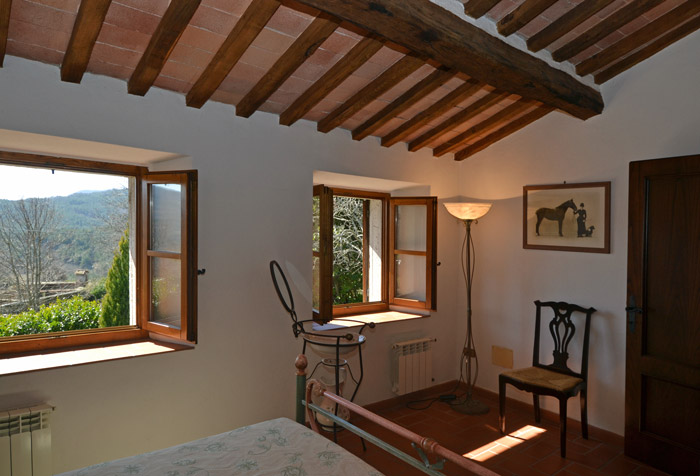 Upstairs double bedroom.