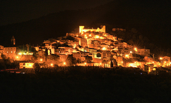 Tuscany picture: Scarlino Maremma at night