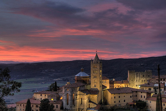 Tuscany pictures: Massa Marittima at night, Maremma Tuscany Italy