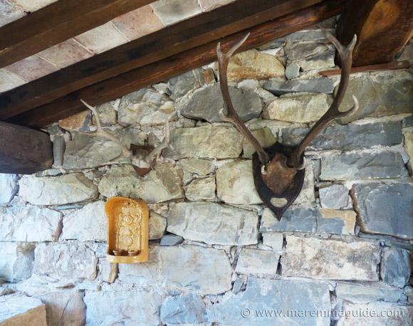 Tuscan farmhouse decor.