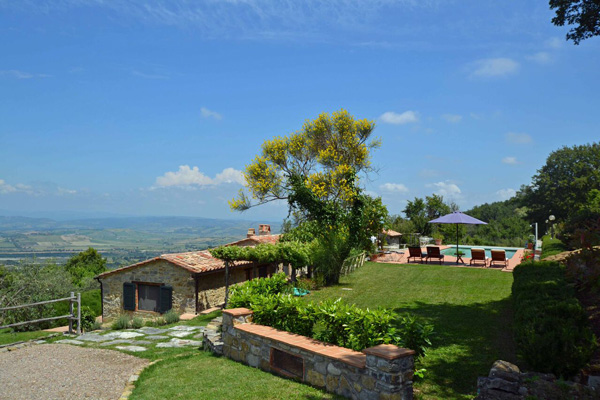 Maremma farmhouse for sale in Tuscany Italy.