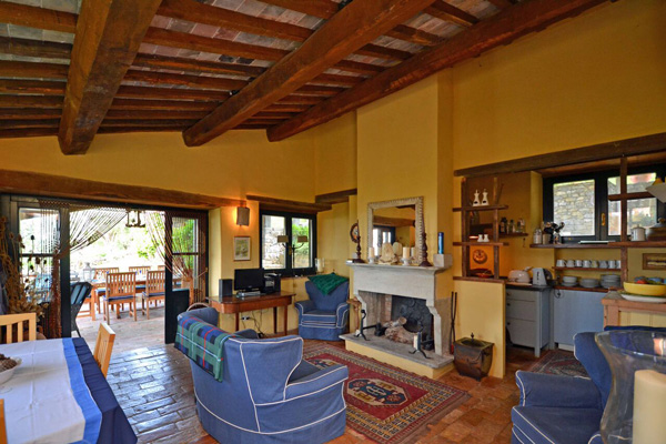 Tuscany property for sale in Maremma: restored farmhouse near Scansano