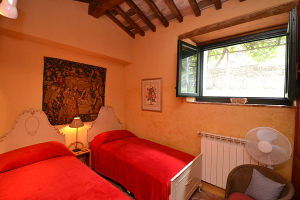 Maremma Tuscany real estate: farmhouse second bedroom